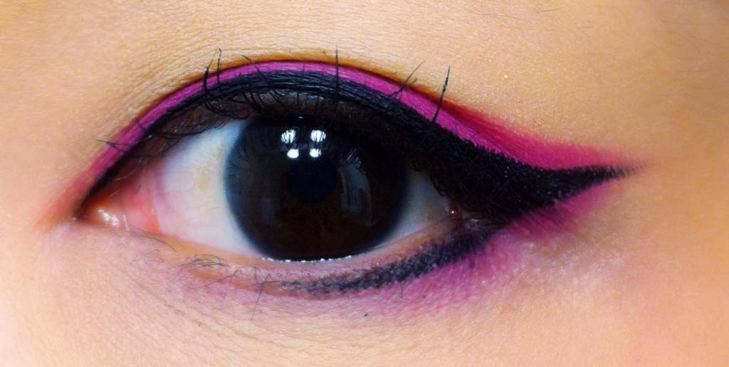pretty asian eye image